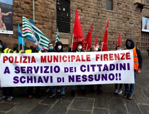 """""""Vogliamo lavorare in sicurezza"""", presidio dei vigili urbani di Firenze in piazza Signoria"""